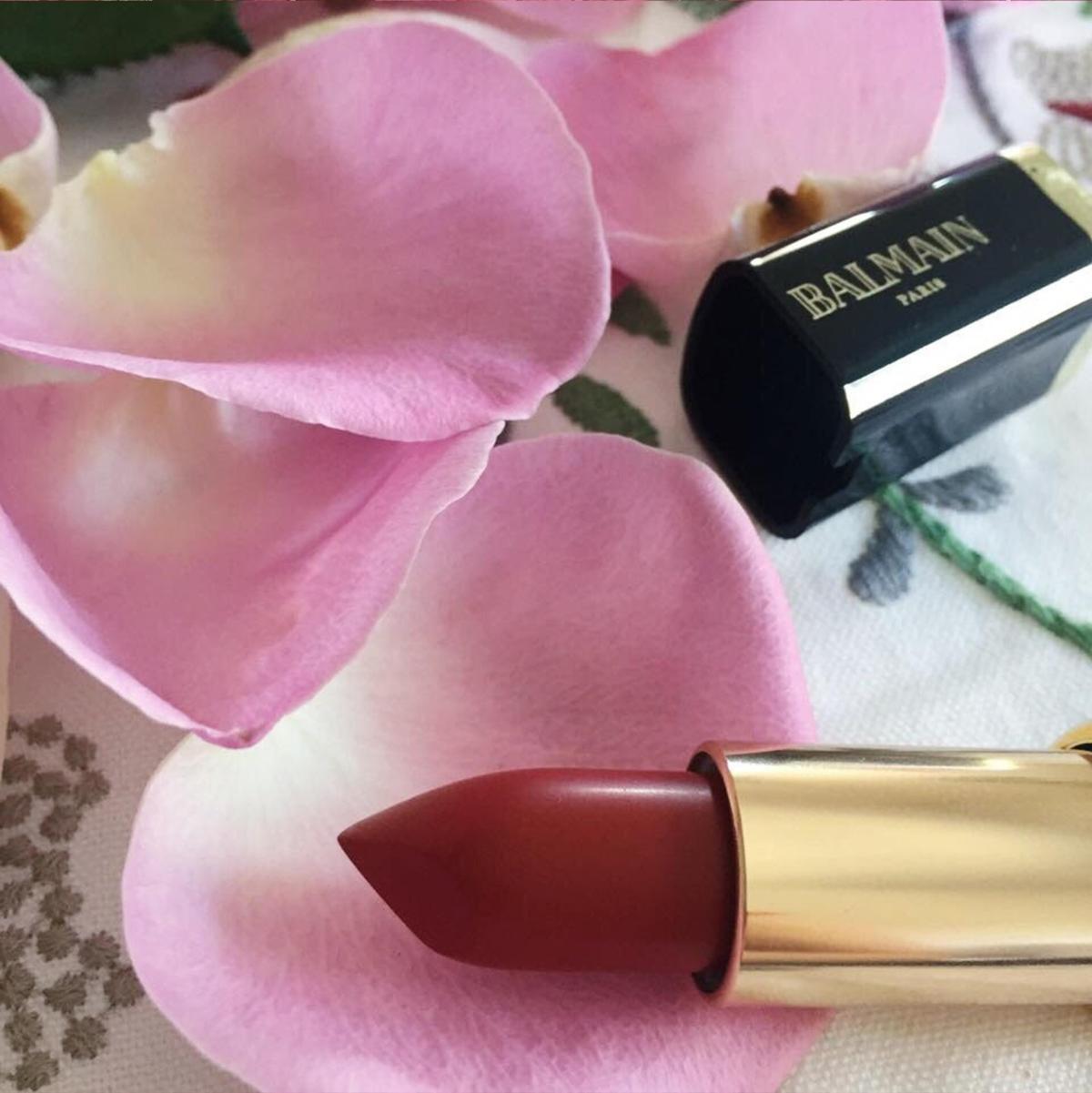 Recenzija: L'Oréal Paris X Balmain Color Riche ruž zausne